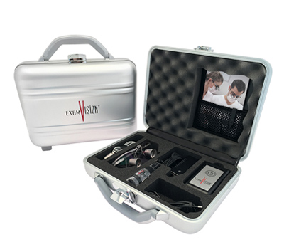 Loupe equipment in its flight case